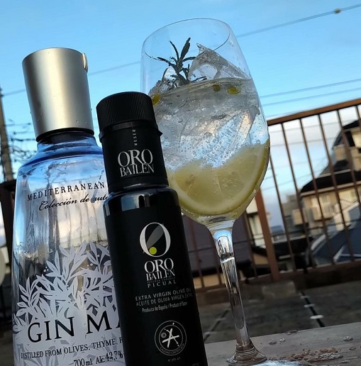 G&T with oliveoil